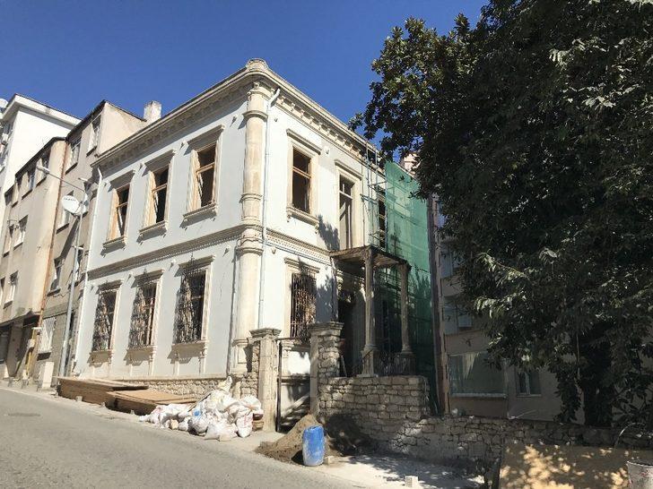 Tarihi Vali Konağı'nın restorasyonu tamamlandı