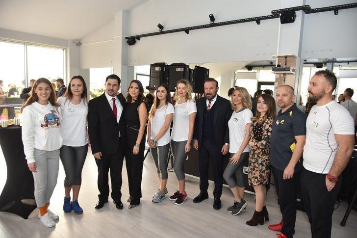 Başkan Doğan spor merkezi açılışına katıldı