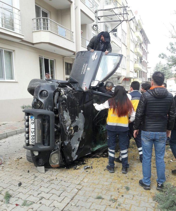 Ters yöne giren otomobil takla attı: 1 yaralı