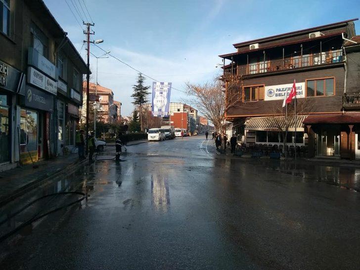 Pazaryeri'nde caddeler yıkanıyor