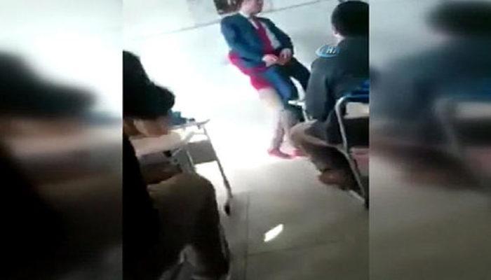 Sınıfta skandal görüntü! Sosyal medya bunu konuşuyor