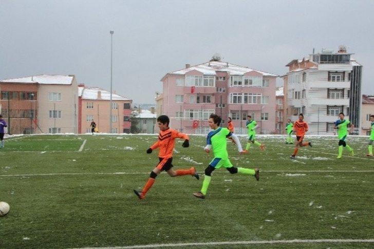 Bilecik'te U15 Bilecik Gençler Ligi şampiyonu belli olacak