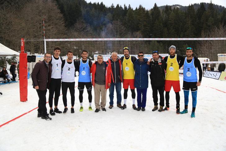 Artvin'de Kar Voleybolu Türkiye Şampiyonası yapıldı