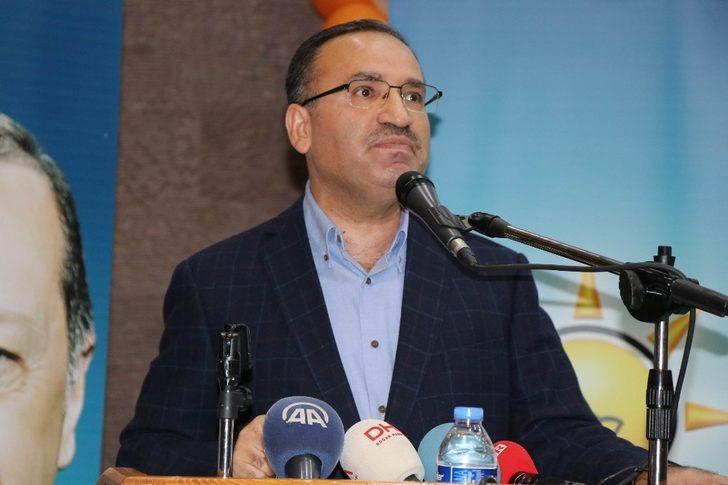 """Bozdağ, Kılıçdaroğlu'na seslendi: """"2019'da Cumhurbaşkanımız Erdoğan'ın karşısına CHP'nin Cumhurbaşkanı adayı olarak çık"""""""