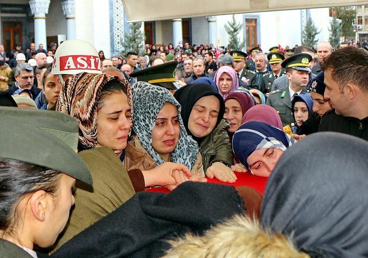 Şehit Pilot Üsteğmen'in cenazesi, Kırıkkale'de toprağa verildi/Ek fotoğraflar