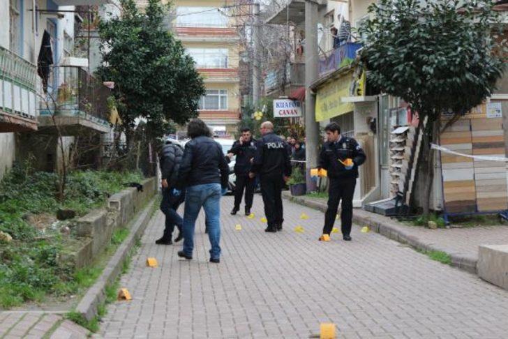 Sokak ortasında kurşun yağdırdılar: 7 yaralı