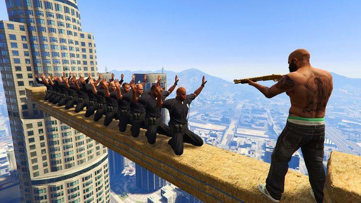 GTA V, Rockstar'ı sırtlıyor