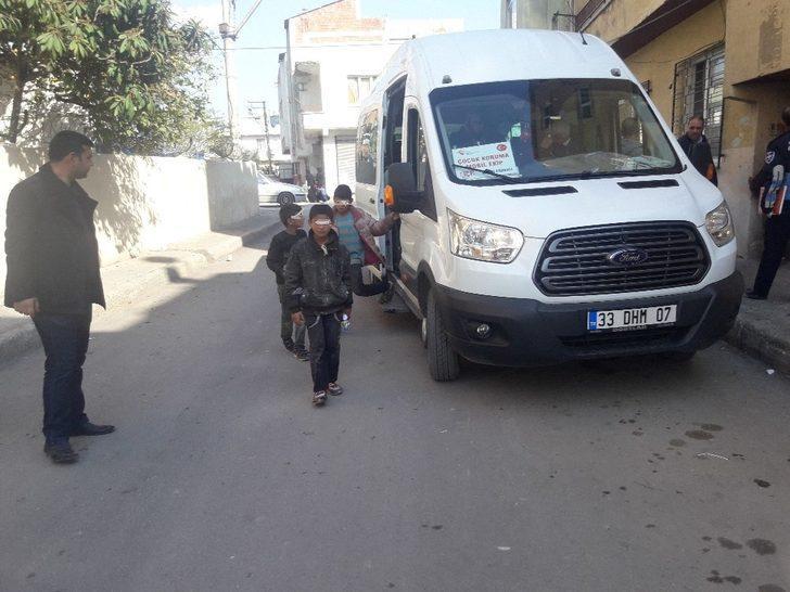Sokaktan kurtarılan çocuklar eğitime kazandırılıyor