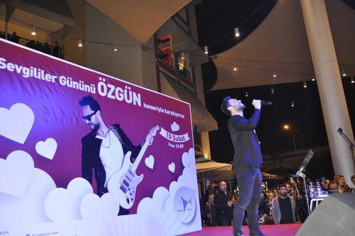 Forum Mersin'de romantizm rüzgarları esti