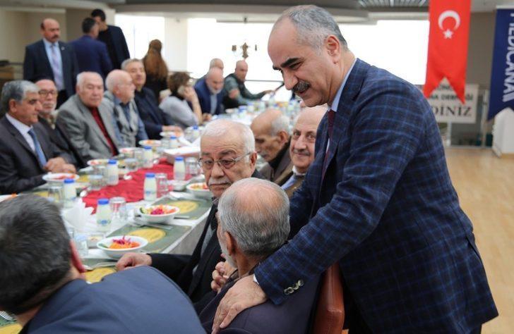 100 yaşına ulaşan yaşlıların ismi mahallelerde yaşatılacak