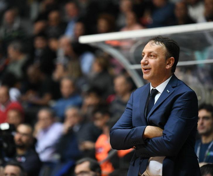 """TOFAŞ Başantrenörü Orhun Ene: """"Her antrenörün yapması gereken bir şeydi"""""""