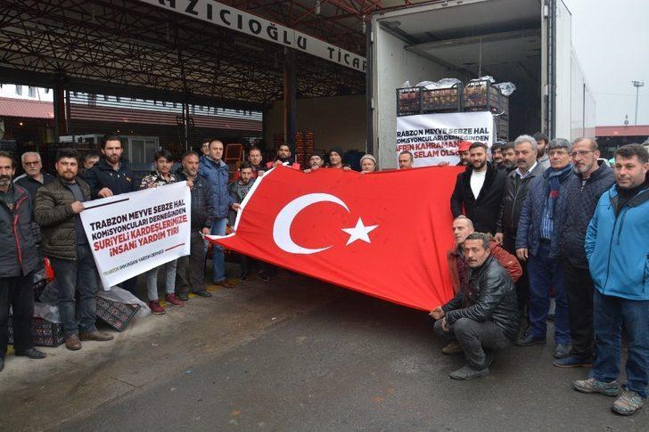 Trabzon'dan Afrin'e iki tır sebze ve meyve gönderdiler