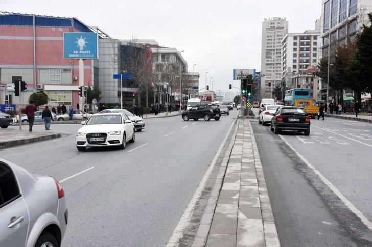 Esenyurt 'ta yol düzenlemesi ile trafik rahatladı