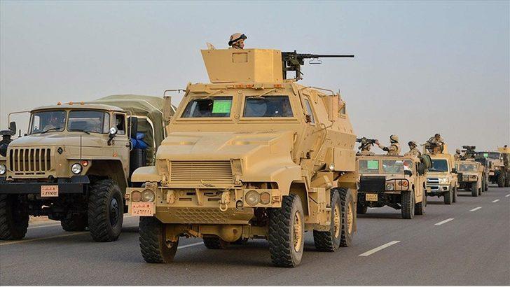 El Ejército egipcio destruye 60 objetivos en el Sinaí