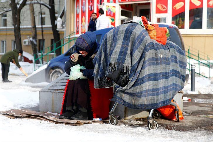 Moscú: cientos de desamparados pierden la vida por el frío cada año