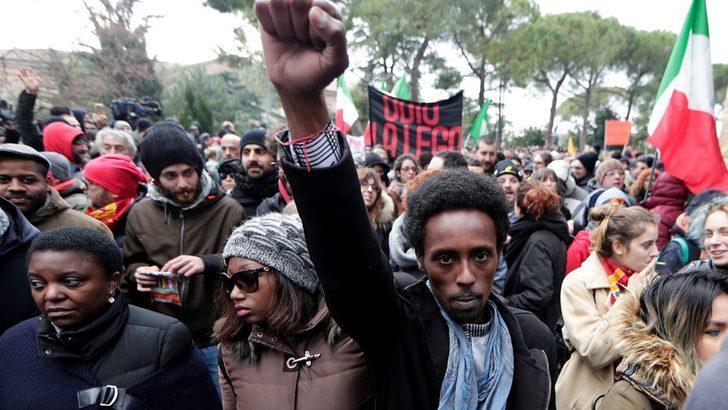 İtalya'daki göçmenlere saldırı: Macareta'daki olay ırkçılık tartışmasını gözler önüne serdi