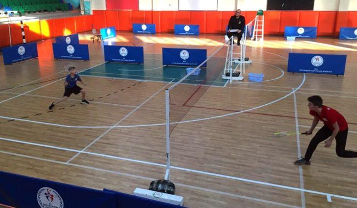 Badmintoncular çeyrek finale yükseldi