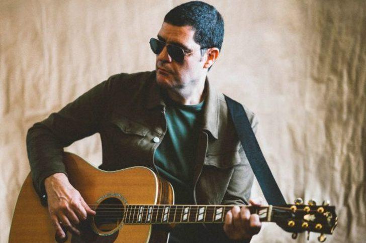 Duman'ın bas gitaristi Ari Barokas'tan solo albüm