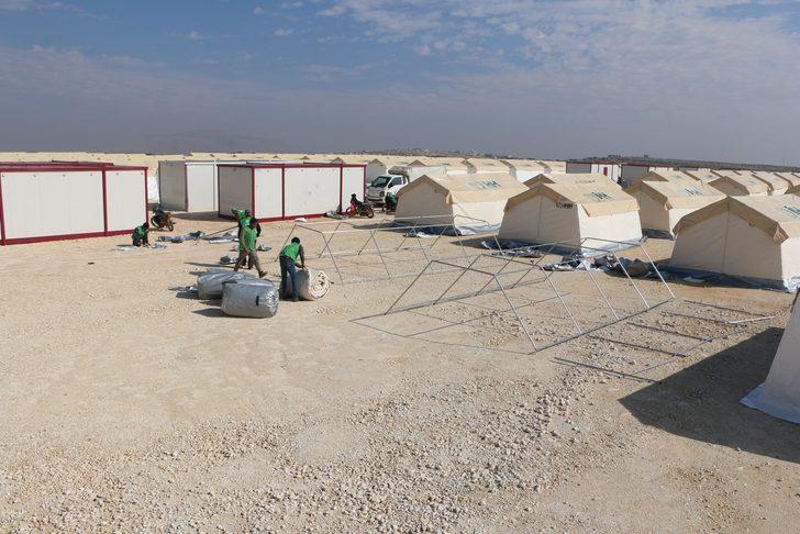 İdlib Kelbit köyüne 190 çadırlık yeni kamp kuruldu