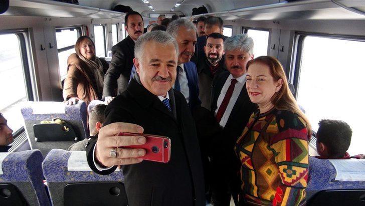 Bakan Arslan, Doğu Ekspresi'nde incelemelerde bulundu (2)