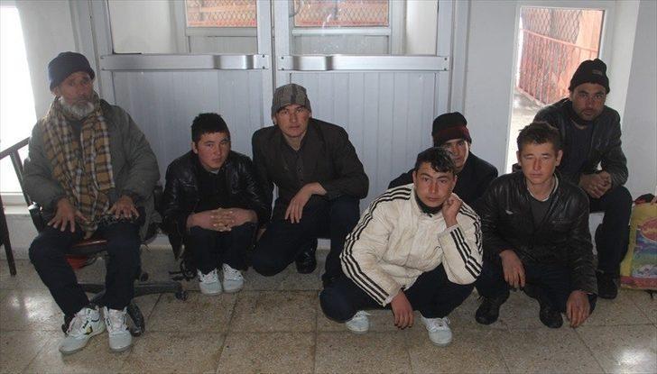 Başkale'de 7 kaçak şahıs yakalandı