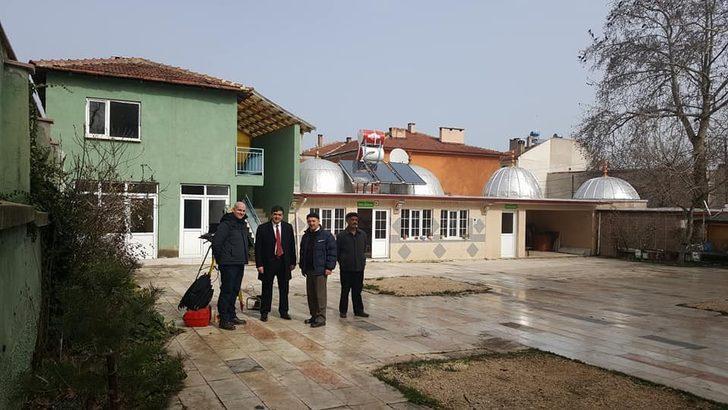 Başkan Yalçın, camii çalışmalarını yerinde inceledi