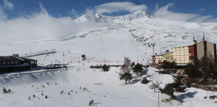 Kayseri'de yağmur, Erciyes'te kar etkili oldu