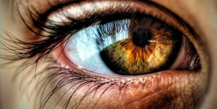 Göz estetiği uygulamaları ile yılları geriye sayın!