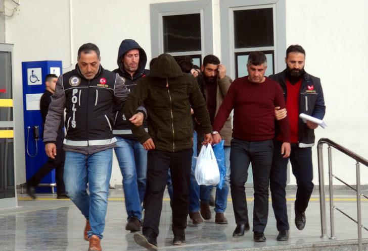 Uyuşturucu satışından biri polis 5 kişiye tutuklama