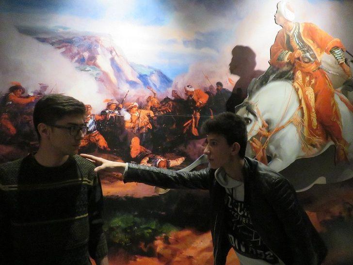 Müzede drama var