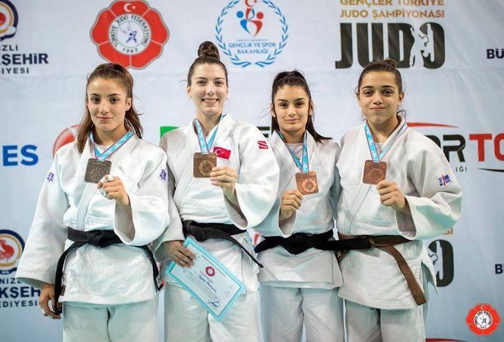 Manisa Büyükşehir'in judocularından Denizli'de derece