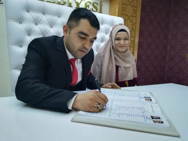 14 Şubat için Kırşehir'de 11 çift nikah masasına oturdu