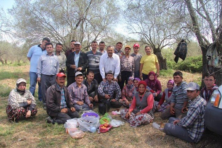 Burhaniye Belediyesinden çiftçiye destek