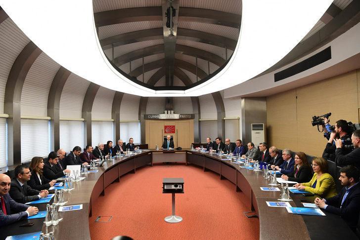 Kılıçdaroğlu, Kurultayın ardından oluşturduğu MYK'yı topladı