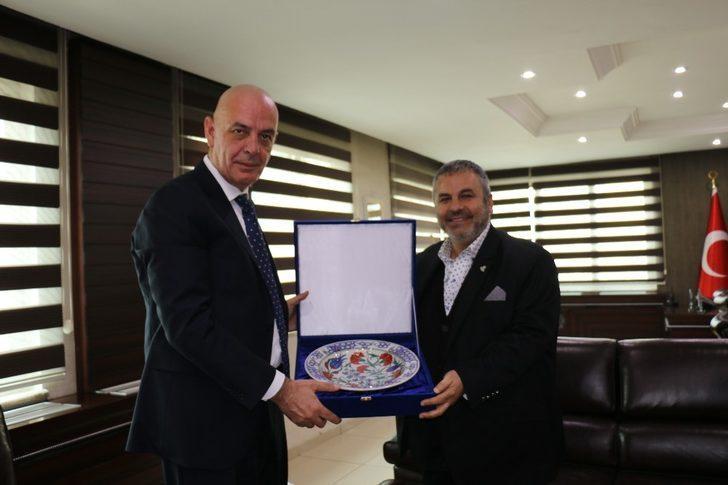 Batman Belediye Başkan Vekili Aksoy bağışçıları ağırladı