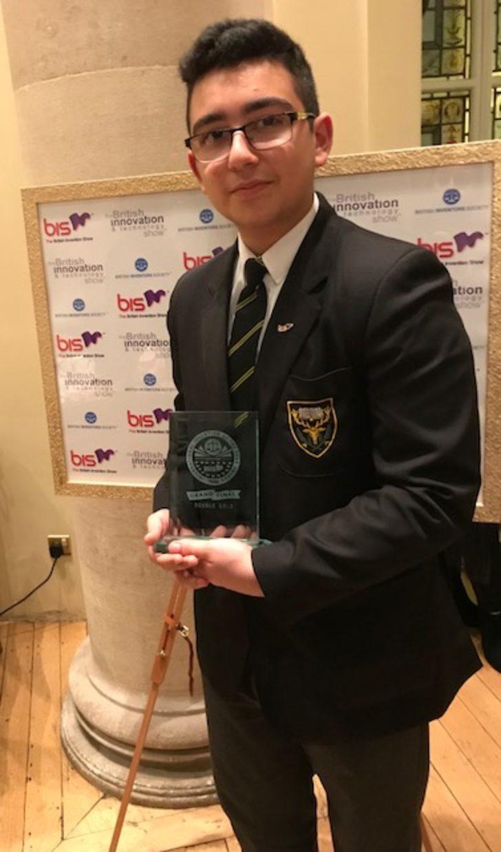 İngiltere Mucitler Topluluğu'ndan 14 yaşındaki Baran Korkmaz'a ödül