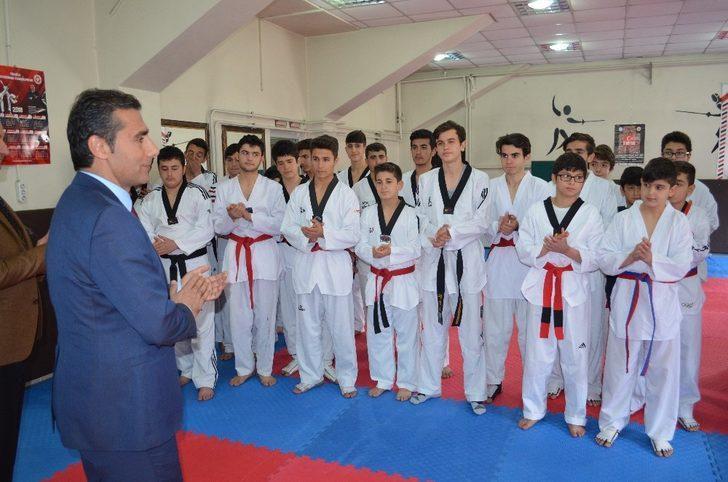 Adışaman'da Taekwondo İl Birinciliği müsabakaları sona erdi