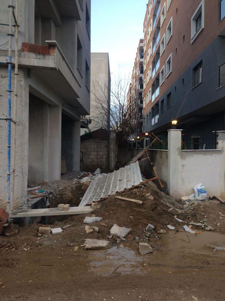 Devrilen duvarın altında kalan 5 çocuk yaralandı