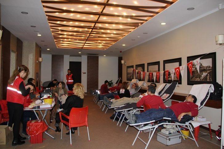 AOSB'de Kızılay'a kan bağışı
