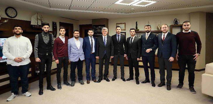 """Başkan Karaosmanoğlu  """"Muhsin Yazıcıoğlu'nu rahmetle anıyorum"""""""