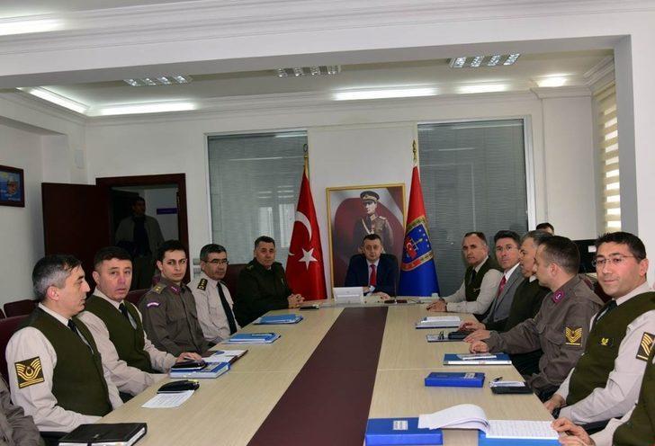 Vali Büyükakın'dan Jandarma Komutanlığı'na ziyaret