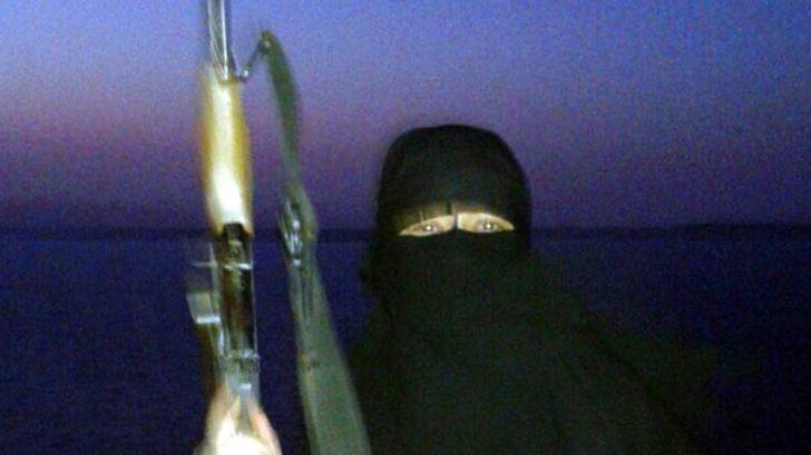 DEAŞ'ın İngilizce öğretmeni kadın bombacısı tek tek anlattı!