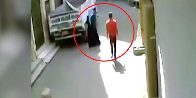 Tacizciyi evire çevire dövdü
