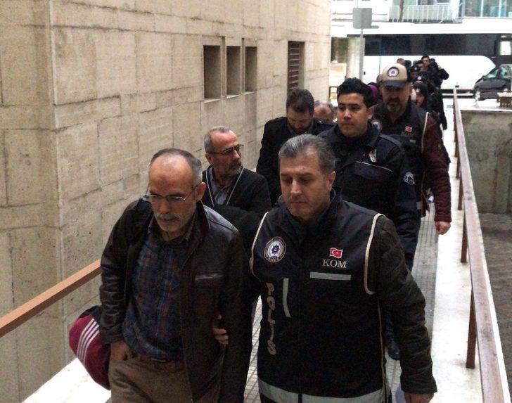 Bursa'da FETÖ/PDY üyesi okul yöneticileri ve öğretmenler adliyeye sevk edildi