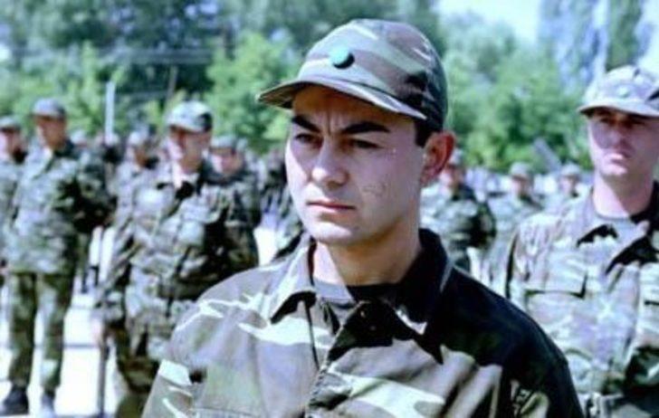 Serdar Ortaç askerde.