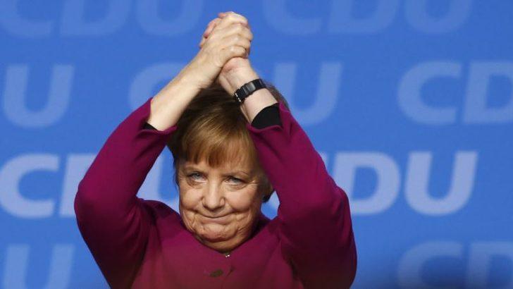 Merkel Siyasete Vurduğu Damgayı Genç Kadın Politikacılara Miras Olarak Bırakıyor