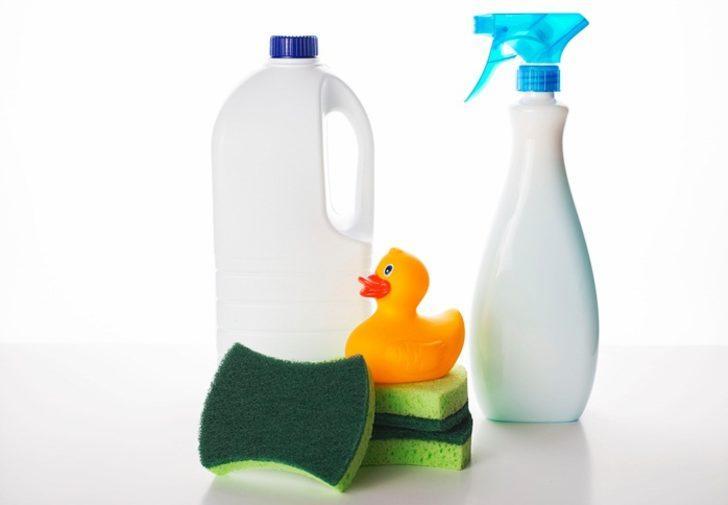 Evden ve kıyafetlerden çamaşır suyu kokusu nasıl çıkar?