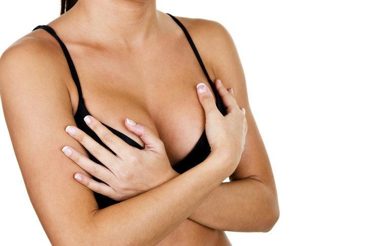 Göğüs büyüklüğünüz sizi sosyal hayatınızdan alı koymasın