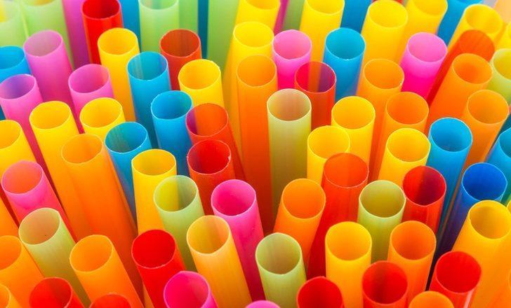 Zararları öyle büyük ki, plastik pipetleri yasaklıyorlar