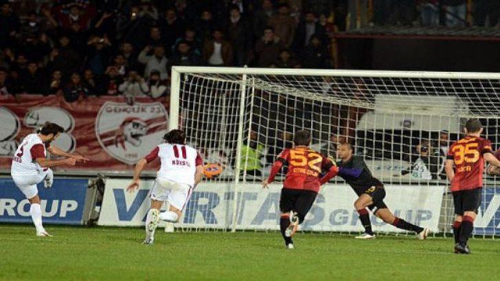 Bu da oldu, Melo penaltı kurtardı!